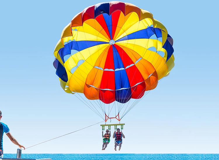 Simtiti adrenalina - Parasailing in tandem