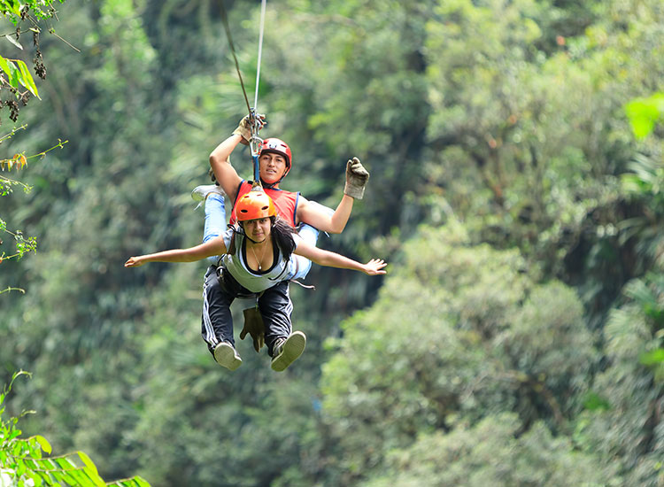 Tiroliana si sporturi de aventura