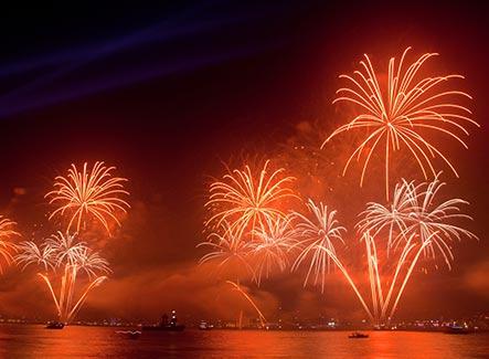 Admirati focul de artificii