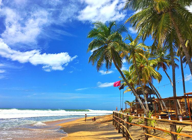 Relaxati-va pe plajele din Arugam Bay